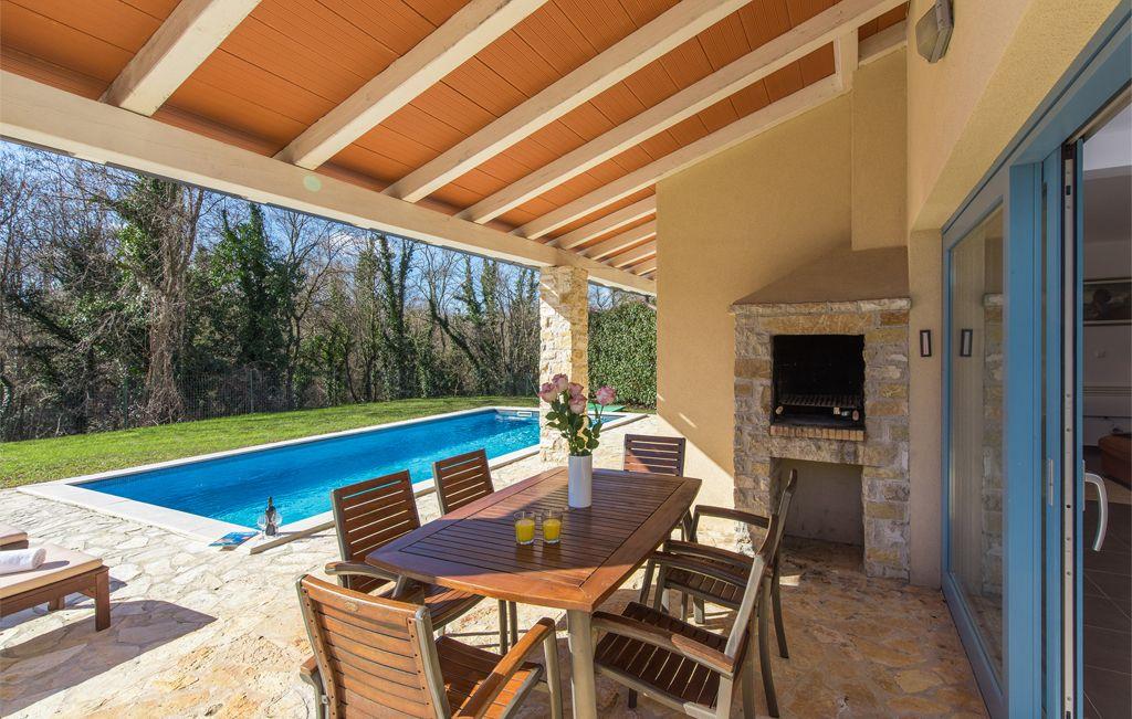villas adagio villa octava. Black Bedroom Furniture Sets. Home Design Ideas